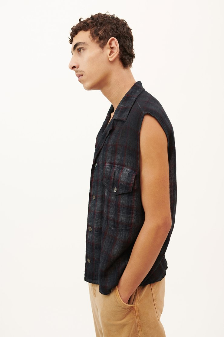 SLEEVELESS CON SHIRT