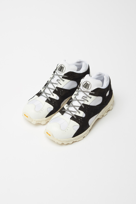 CAGE SNEAKER