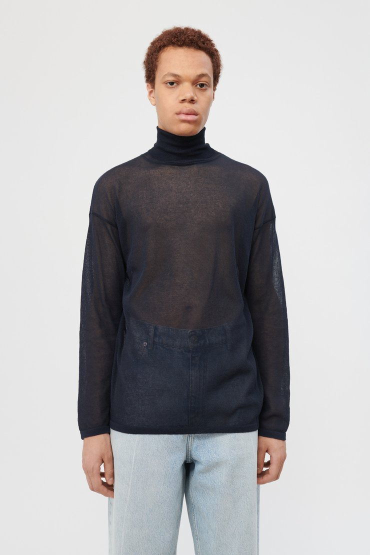 SLENDER TURTLENECK